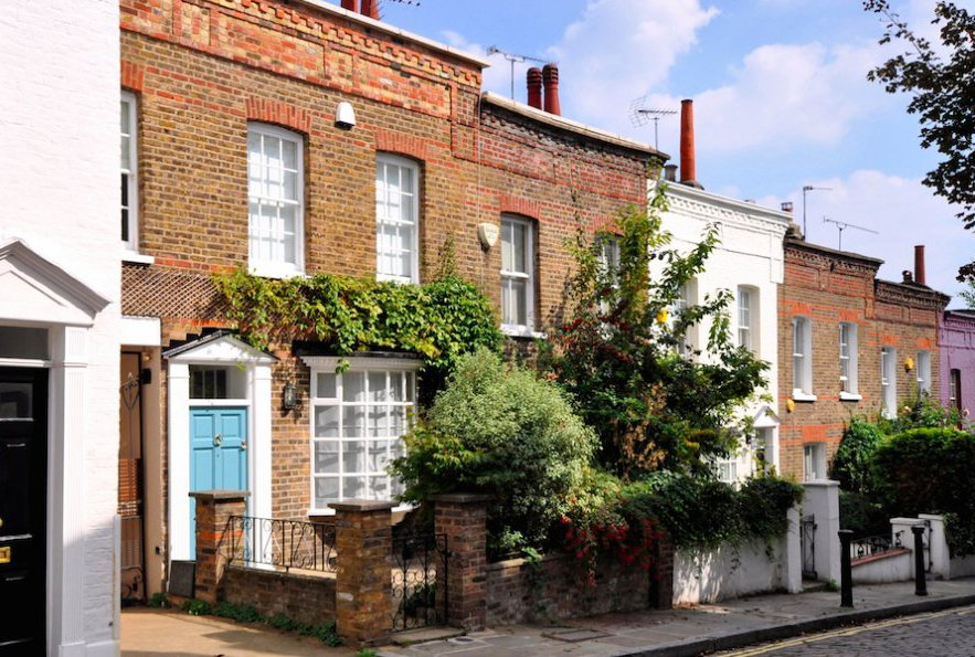 Top 10 property questions first-time buyer should ask