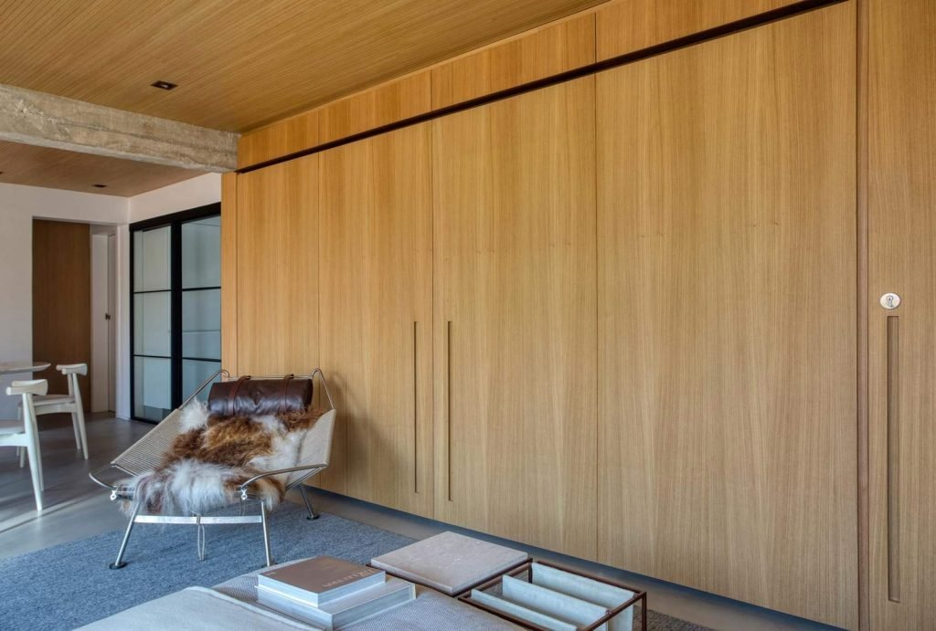 Concrete-Interior-for-young-couple---living-room-2