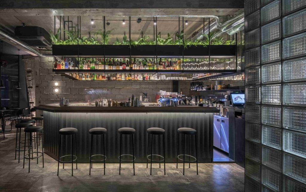 full-sized bar design